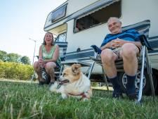 Toos en Wim blijven na twee jaar weer slapen in Elburg, dankzij nieuwe camperplaatsen