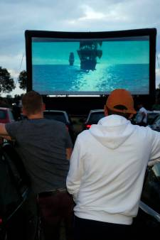 Drive-in bios in Almkerk: handrem erop, popcorn erbij
