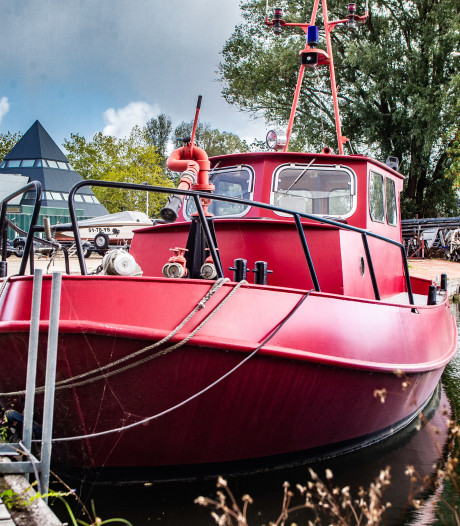 Zorgen over oude Deventer blusboot, een 'uniek stukje brandweergeschiedenis'