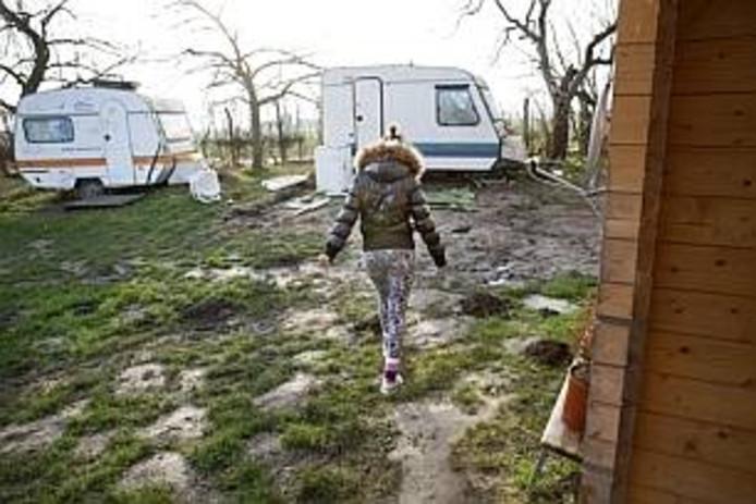 Een Oost-Europese migrant op een Nederlandse camping waar veel arbeidsmigranten wonen.