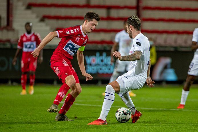 """Kapitein Hannes Van Der Bruggen in duel met Peter Zulj: """"We hadden het meeste kansen en incasseerden vermijdbare goals."""""""