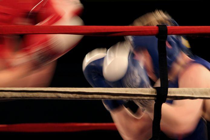Foto ter illustratie.  Buren moet in de gezamenlijkheid zoeken naar draagvlak, vindt CDA, in plaats van via een bokswedstrijd.
