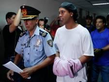 Ronaldinho mag van celgenoten niet scoren in gevangenistoernooi
