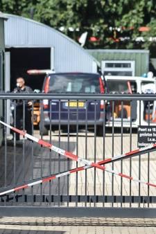 Politie valt bedrijfspand in Mook binnen, mogelijk om drugslab