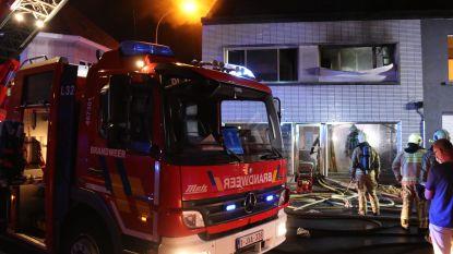 Brand veroorzaakt grote schade in woning van alleenstaande vrouw