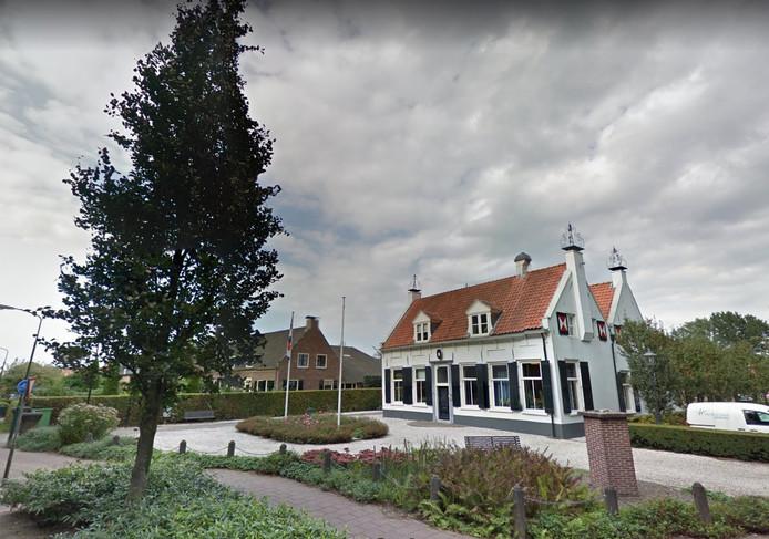 Het huidige gemeentehuis van Renswoude.
