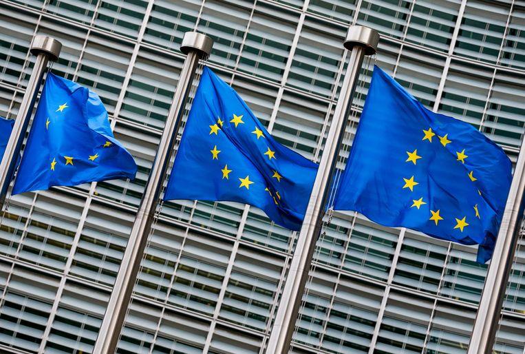 Europese vlaggen voor de Europese Commissie in Brussel.