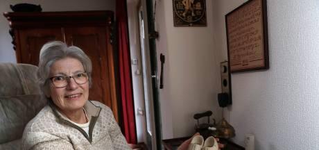 Riek uit Doetinchem: 'Oma's klompjes zijn mijn dierbaarste bezit'