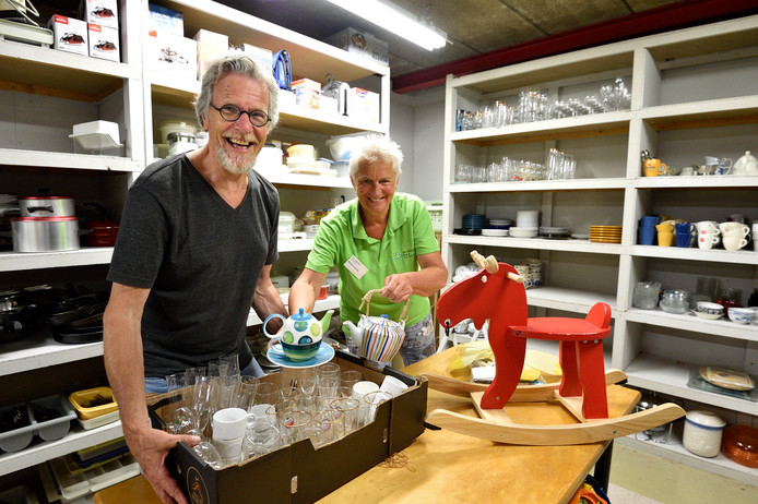 Gerard Schotanus en Marleen van Eijk van de Non-foodbank in Gouda.