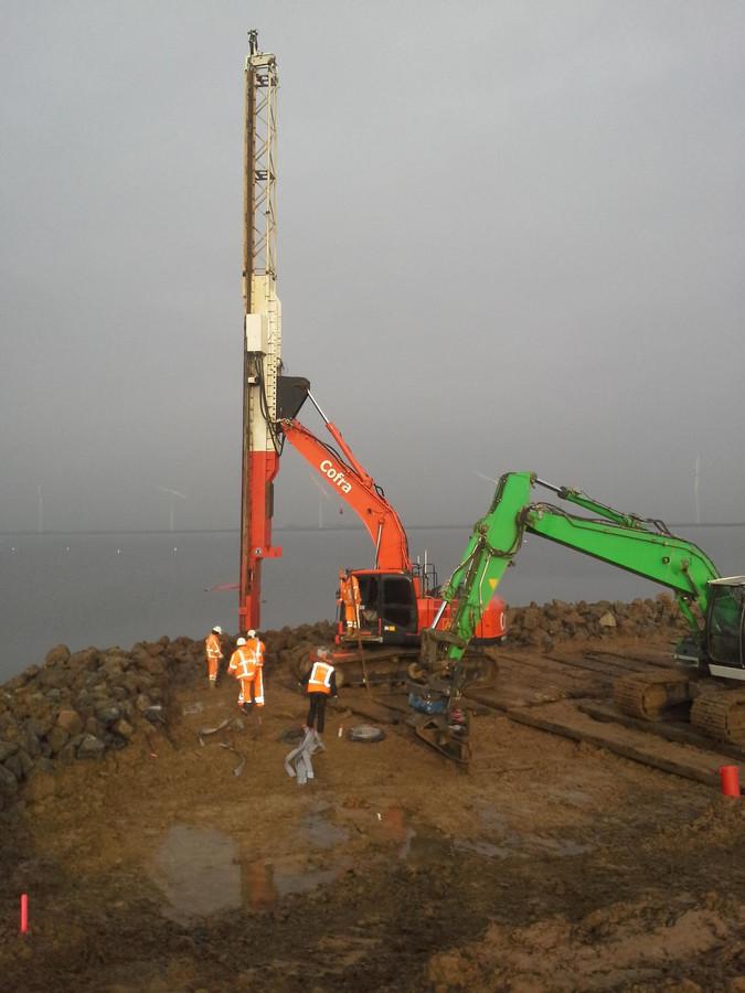 Genoeg Water onder dijk Eemnes weggehaald | Foto | AD.nl GT07