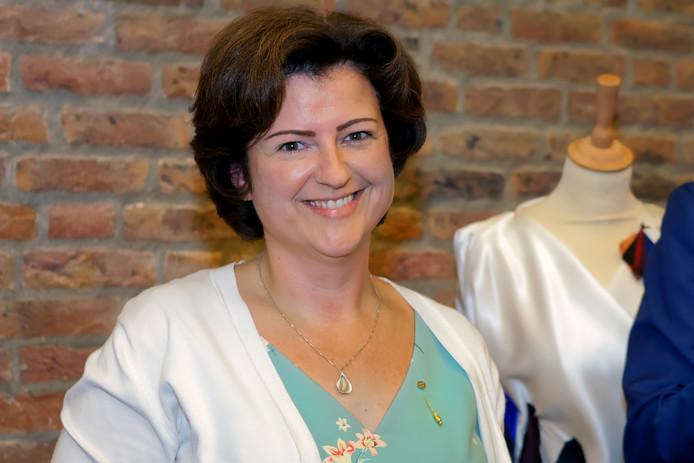 Bij haar afscheid van de gemeente Oosterhout (ze wordt burgemeester in Geertruidenberg) werd Marian Witte onderscheiden met de Gemeentelijke Erespeld in Goud.