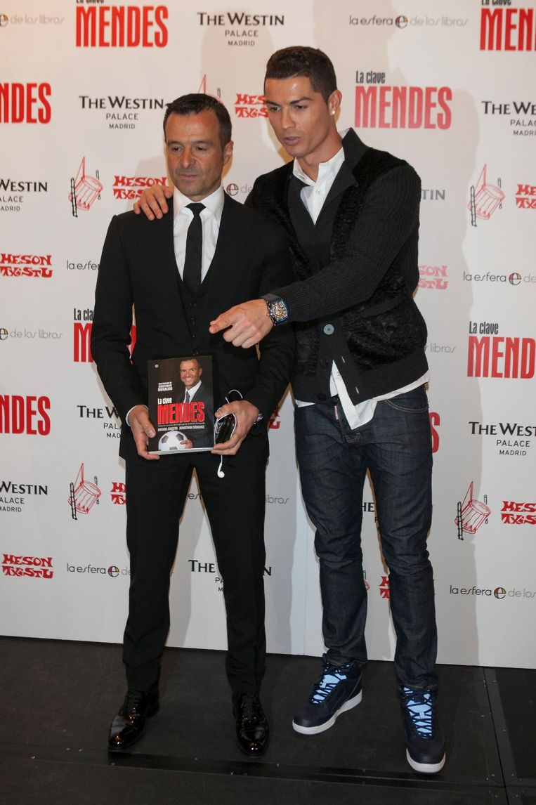 Jorge Mendes met Cristiano Ronaldo, wiens belangen hij ook behartigt.