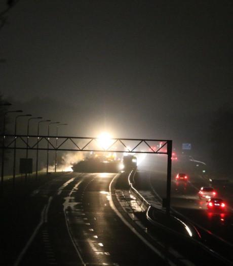 A1 richting Duitse grens dicht door gekantelde vrachtwagen