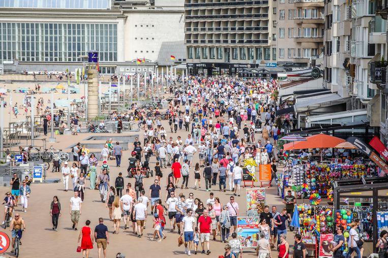 Dit weekend zullen veel mensen weer naar de kust trekken. Er wordt 20 graden voorspeld.
