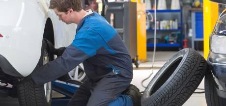 Automonteurs leggen 24 uur lang het werk neer