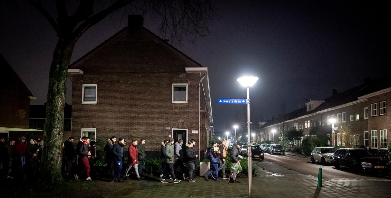 De stille tocht ter nagedachtenis aan Fuat in het Eindhovense stadsdeel Stratum.