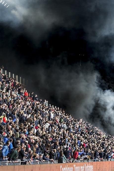 Politie vermoedt gecoördineerde actie met rookpotten