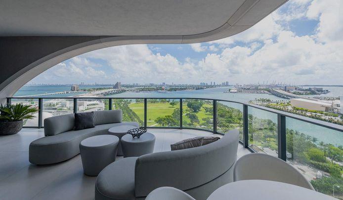 David et Victoria Beckham auraient dépensé 25 millions de dollars dans une des propriétés les plus incroyables de Miami dans un immeuble super exclusif