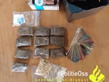 Twee mannen in Herpen aangehouden met voorraad drugs en honderden euro's op zak