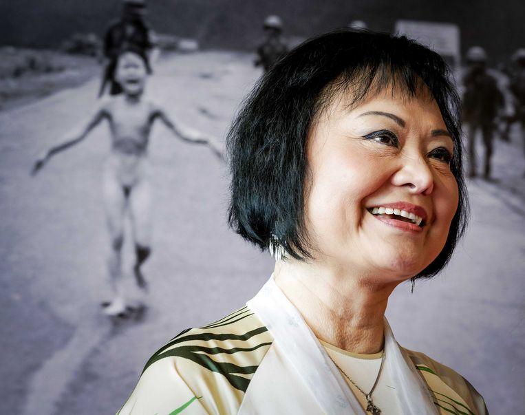 Kim Phuc bij de presentatie van haar boek 'Het napalmmeisje'. De komende dagen reist ze door het land om haar verhaal te vertellen. Beeld EPA