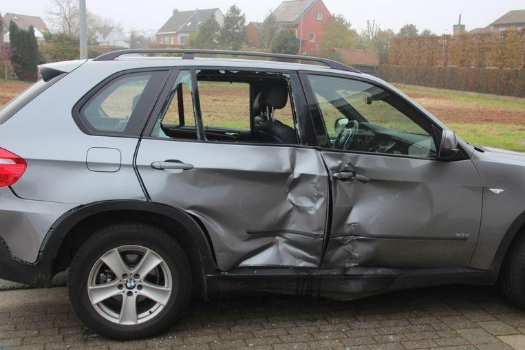 De motorrijder kon de BMW X5 die net voor hem de weg overstak niet meer ontwijken.