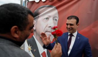 Syrische zakenman heeft de leider lief; hij wil als Mohammed Erdogan het Turkse parlement in