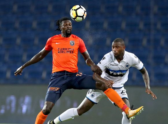 Adebayor in duel met Denswil.