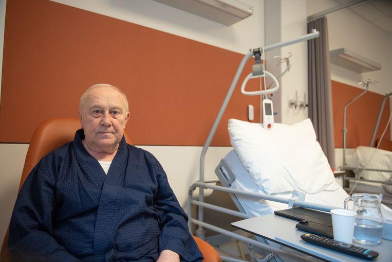 """""""Het was wel even schrikken toen de verpleegster me midden in de nacht kwam wekken, maar we hebben op geen enkel moment gepanikeerd"""", getuigt patiënt Paul De Ruyck."""
