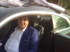 Jarige multimiljonair Azimi krijgt Rolls Royce cadeau