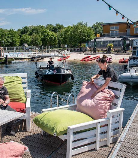 Strand bij Mookerplas kan tegelijk met horeca open