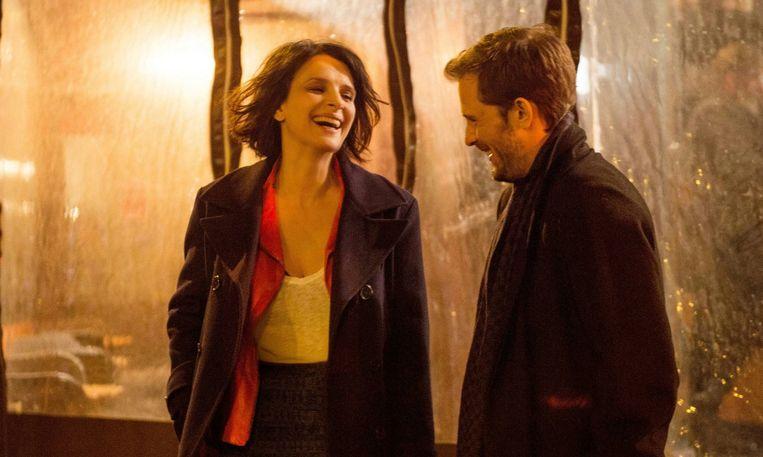 Juliette Binoche en Nicolas Duvauchelle in Un beau solein intérieur van Claire Denis. Beeld