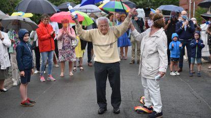 """103-jarige dokter Leempoels loopt marathon uit: """"Wij, klein en groot, krijgen corona dood!"""""""