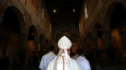 Paus aanvaardt ontslag van twee Chileense bisschoppen, beschuldigd van seksueel misbruik