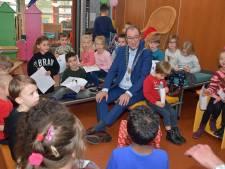 Burgemeester mét ketting op school: minder spannend dan Sinterklaas, maar wel erg leuk
