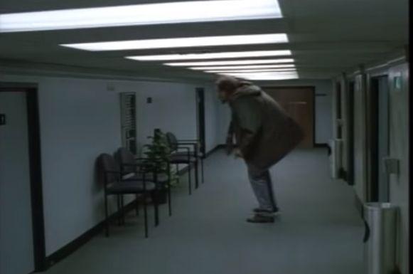 Scène uit 'Being John Malkovich'.