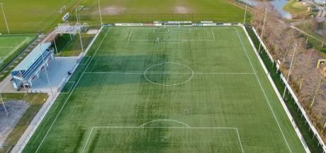 'Competities in het amateurvoetbal gaan door volgens het bestaande speelschema'
