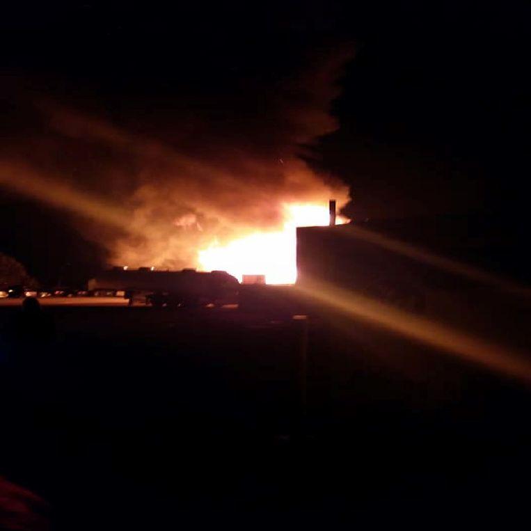 Hevige brand bij transportbedrijf Saelens in Tienen.