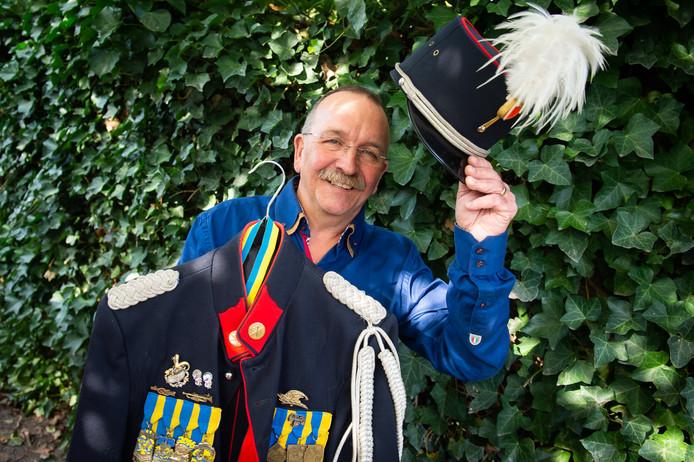 Carnavalsstichting De Mayeners viert dit jaar het 60-jarig jubileum. Ton de Bok is al jaren lid van de stichting en heeft ook lang in het bestuur gezeten.