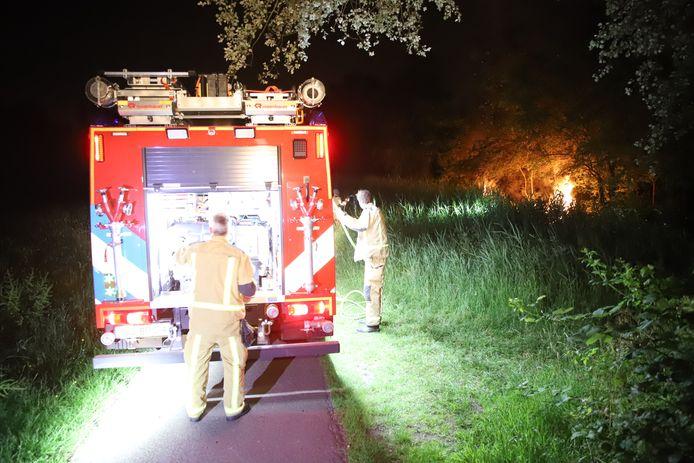Omstreeks om 00.50 uur is er brand ontstaan in een stuk bos aan het Vrederustpad in Delfgauw.