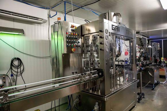 De productielijn van Distillerie Massy.