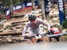 Deceptie Terpstra op WK mountainbike, ademhalingsproblemen dwingen haar te stoppen