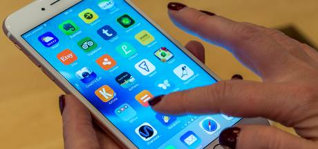 Smartphone kapot? Boeven kunnen meegluren via nieuw scherm