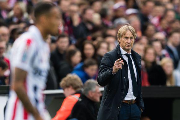 Adrie Koster, de gewezen trainer van Club Brugge die Willem II onder zijn hoede heeft.