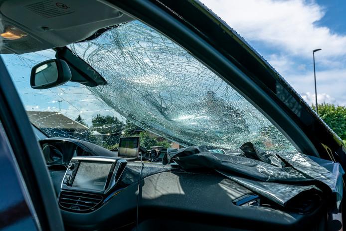 Het voertuig is zwaar beschadigd geraakt.