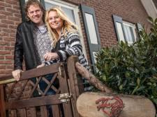 Nederlandstalig zangduo Harten 10 uit Dalfsen privé uit elkaar, maar op het podium een stel