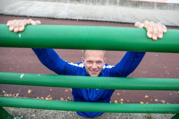 Roger Knoops, manager van SportService Zwolle, vindt het fantastisch wat Collin, Xavier en Tom doen. ,,Bij deze nodig ik ze ook uit om met mij in gesprek te gaan om in ieder geval te kijken of we calisthenics uit kunnen lichten op het Fit Event.''