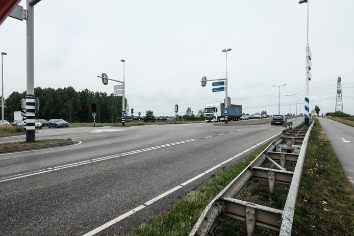 Het huidige einde van de A15 bij Bemmel.