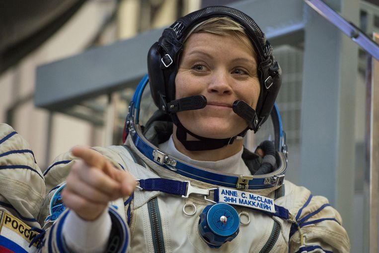 Anne McClain tijdens een examen op het Gagarin Cosmonauts' Training Centre in Star City nabij Moscow. Beeld AFP