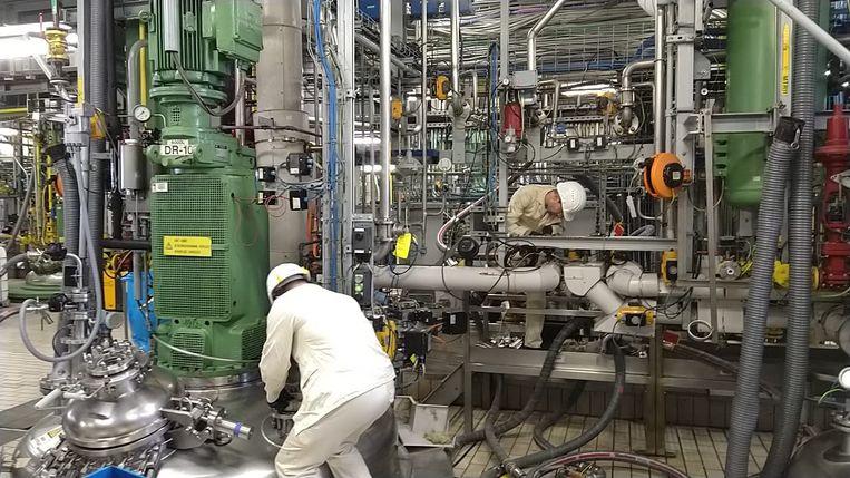 Janssen Pharmaceutica start met noodproductie desinfecterende gel.