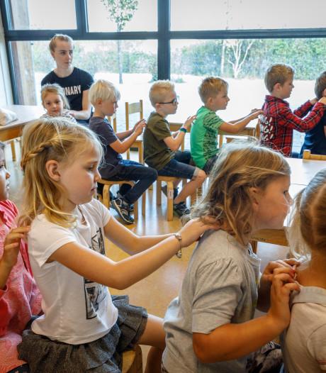 Niet pesten in Steenwijk, maar elkaar masseren